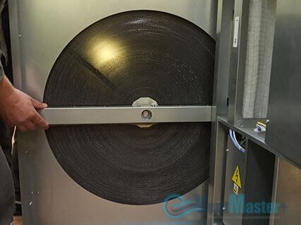 Вытащили рекуператор весом 50 кг приточно-вытяжной установки Blauberg KOMFORT Roto EC LE2000-12-S17