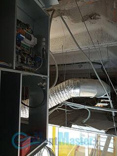 Прокладываем кабель до электрощитка приточно-вытяжной вентиляционной установки Blauberg в офисе Альтуэра