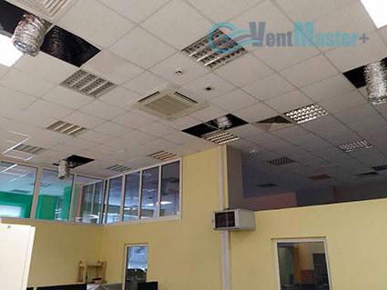 Вывод вентиляционных воздуховодов для центральной вентиляции в офисе Альтуэра