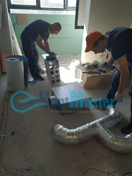 Монтаж приточной установки Minibox E-650 и воздуховодов Blaufast Фото15