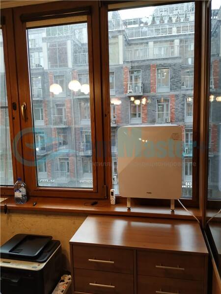 Установка бризера Тион 3s на стеклопакет балконной стены, Москва, ул. Хромова Фото19
