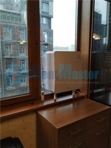 Установка бризера Тион 3s на стеклопакет балконной стены, Москва, ул. Хромова Фото20