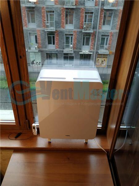 Установка бризера Тион 3s на стеклопакет балконной стены, Москва, ул. Хромова Фото21