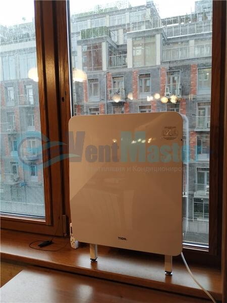 Установка бризера Тион 3s на стеклопакет балконной стены, Москва, ул. Хромова Фото22