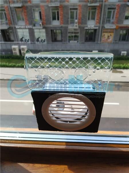 Установка бризера Тион 3s на стеклопакет балконной стены, Москва, ул. Хромова Фото4