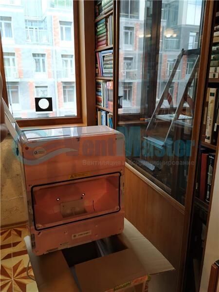 Установка бризера Тион 3s на стеклопакет балконной стены, Москва, ул. Хромова Фото7