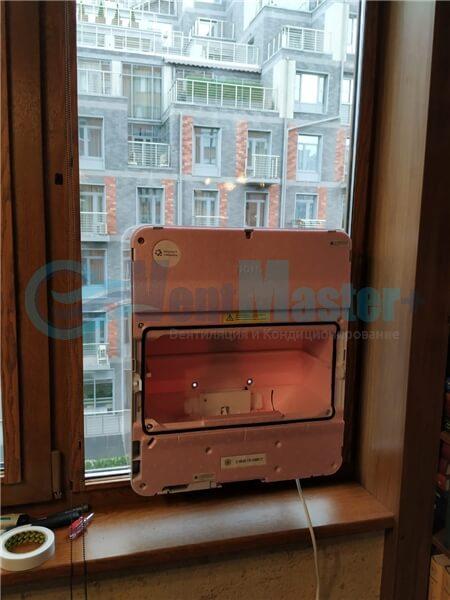 Установка бризера Тион 3s на стеклопакет балконной стены, Москва, ул. Хромова Фото9