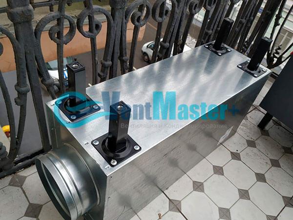 Монтаж приточной установки Minibox E-650 c прямоугольным шумоглушителем Фото17