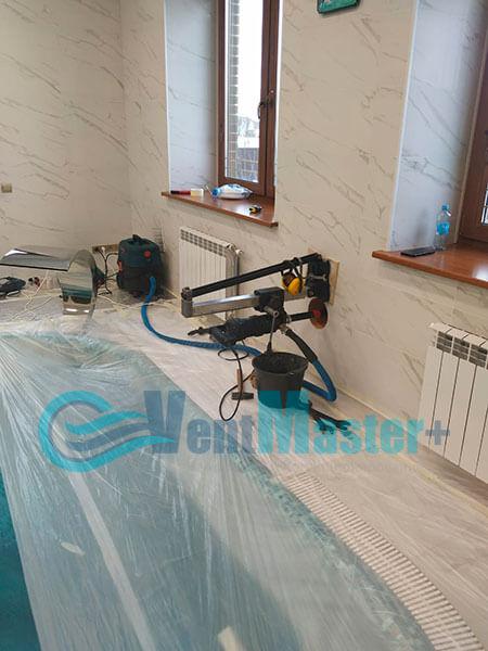 Монтаж приточной установки Minibox E-650 Zentec в бассейн Фото10