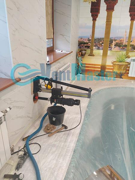 Монтаж приточной установки Minibox E-650 Zentec в бассейн Фото7