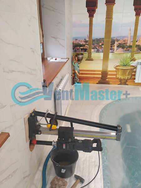 Монтаж приточной установки Minibox E-650 Zentec в бассейн Фото8