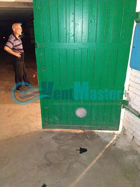 Монтаж вентиляции в гараже с вентилятором Вентс ТТ 150 Фото6